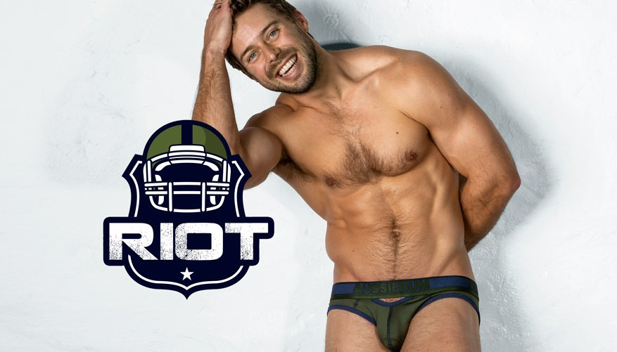 Riot Brief Army Lifestyle Image