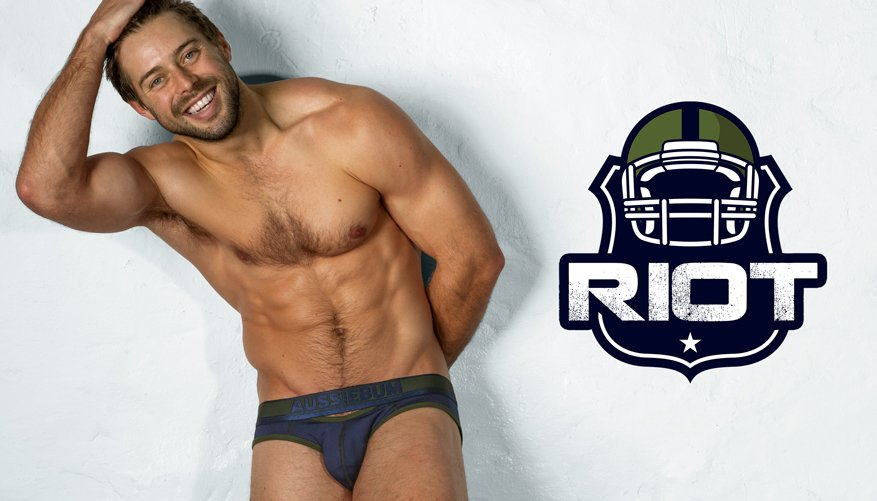 Riot Brief Navy Lifestyle Image