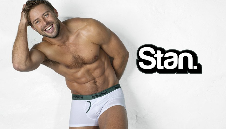 Stan Army White Lifestyle Image