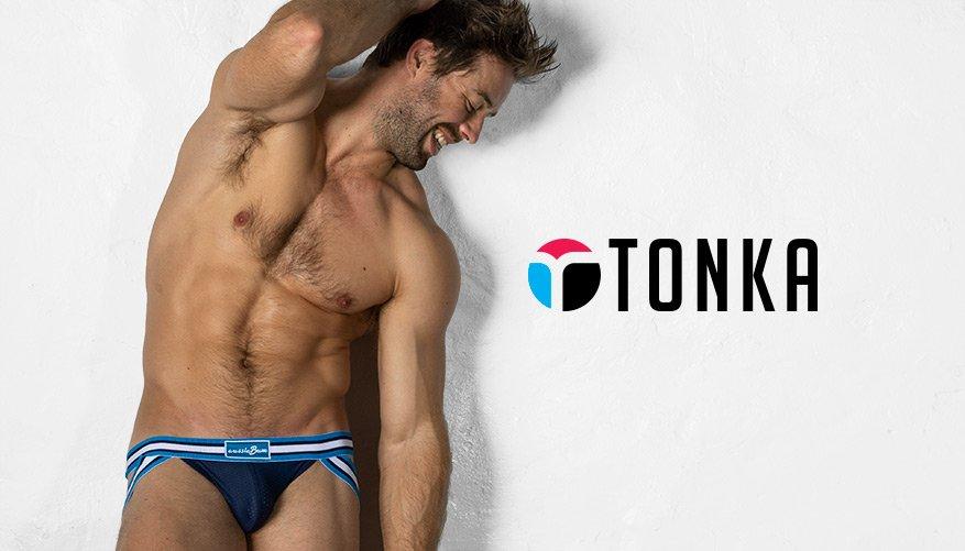 Tonka Navy Lifestyle Image