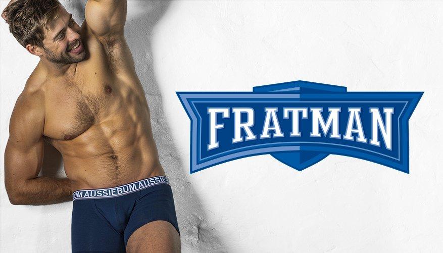 Fratman Navy Lifestyle Image