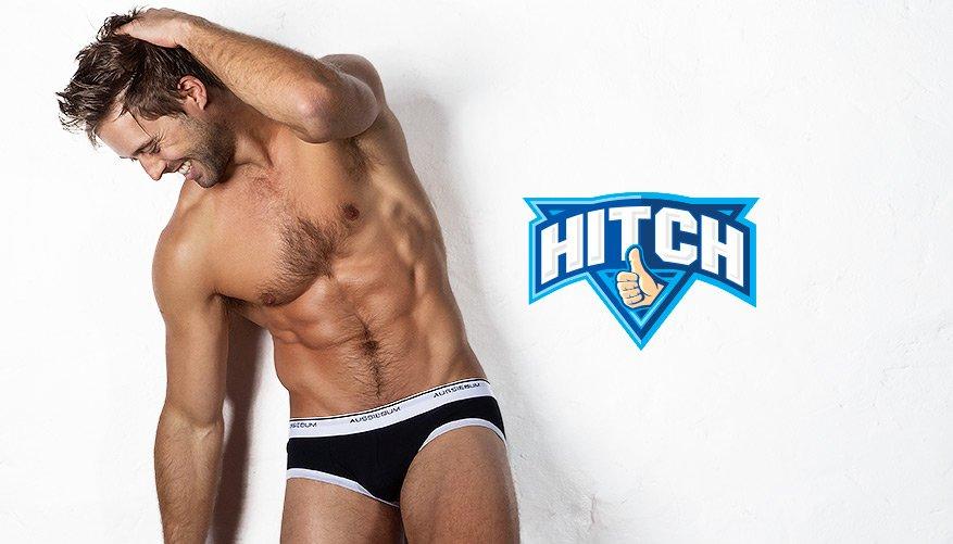 Hitch Black Lifestyle Image