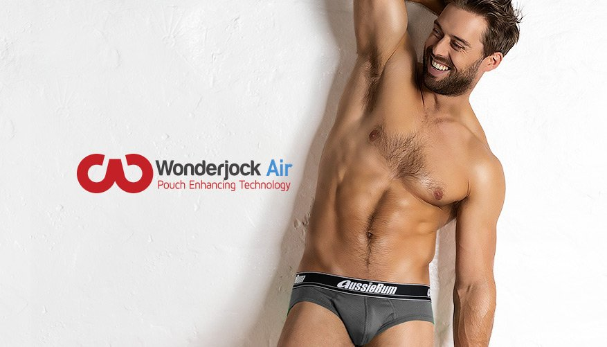 WJ Air Charcoal Lifestyle Image