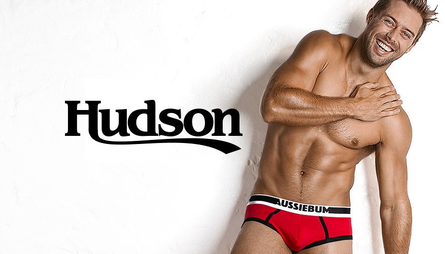 Hudson Red Lifestyle Image
