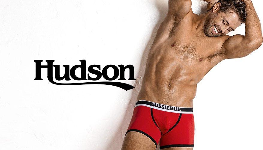 Hudson Red Lifestyle Image